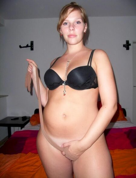Chienne sexy dominatrice pour gars docile