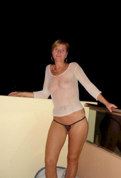 Cougar sexy très romantique recherche un gars accueillant