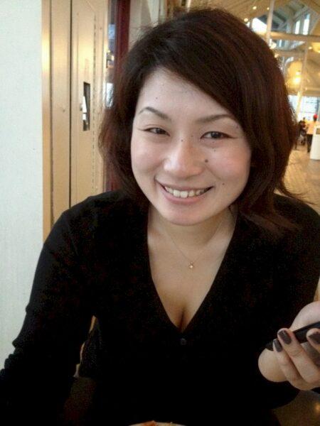 Femme asiatique dominatrice pour homme soumis
