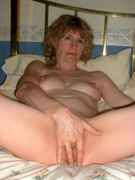 Femme mature soumise pour mec clean
