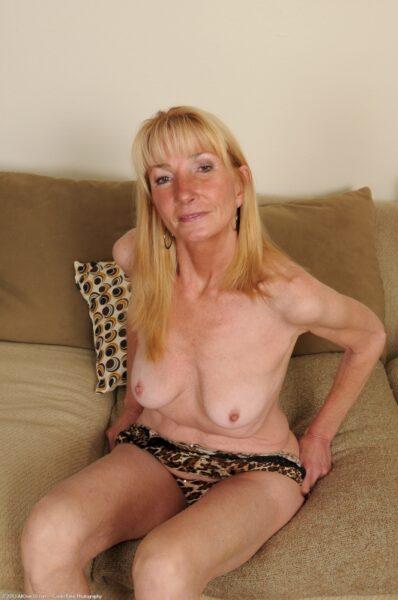 Jolie femme seule qui cherche une rencontre sexe
